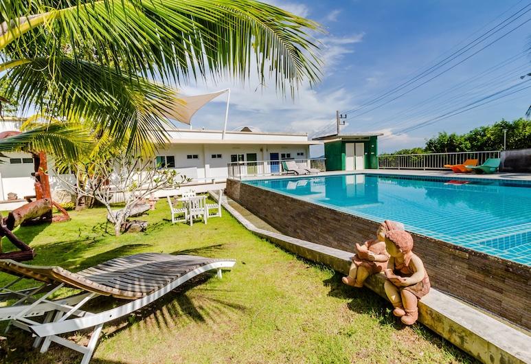 Chalong Hill Tropical Garden Homes, Čalongas, Lauko baseinas