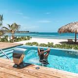 Beach Villa With Private Pool - З видом на пляж/океан