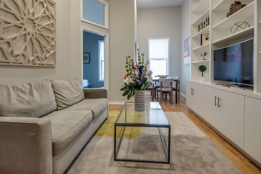 Căn hộ Deluxe, 2 phòng ngủ, Bếp - Phòng khách