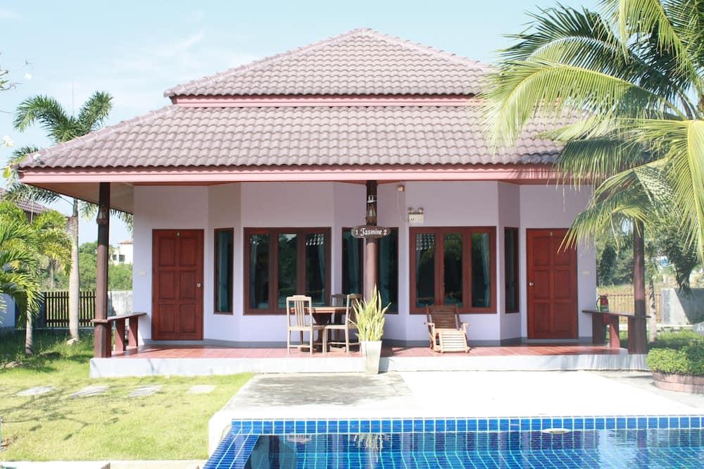 2 Bedroom Home - Outdoor Pool