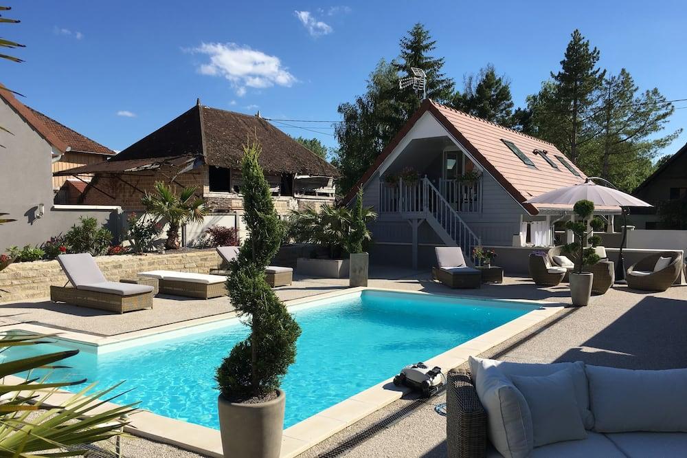 Romantická dvojlôžková izba, výhľad na bazén - Výhľad z hosťovskej izby