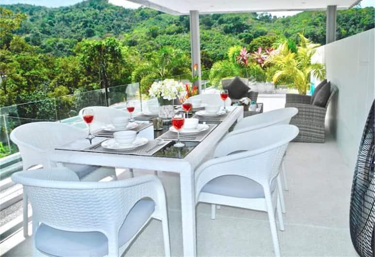 Skylight New 2 bedrooms Villa, Kamala, Outdoor Dining