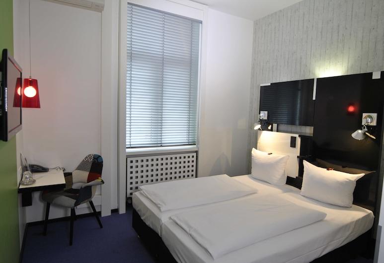 Hotel Cristall, Frankfurt, Standard-Doppelzimmer, Zimmer