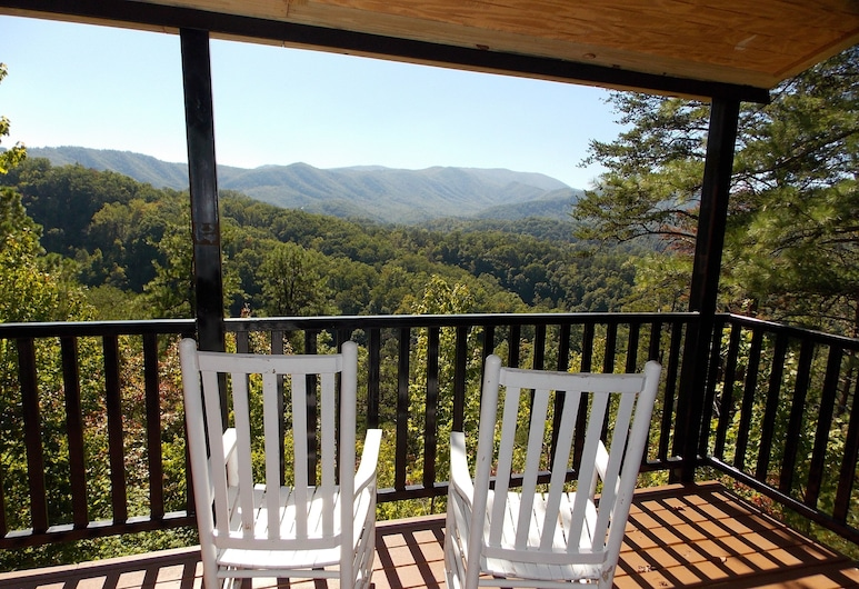 Mountain Ridge by RedAwning, Pigeon Forge
