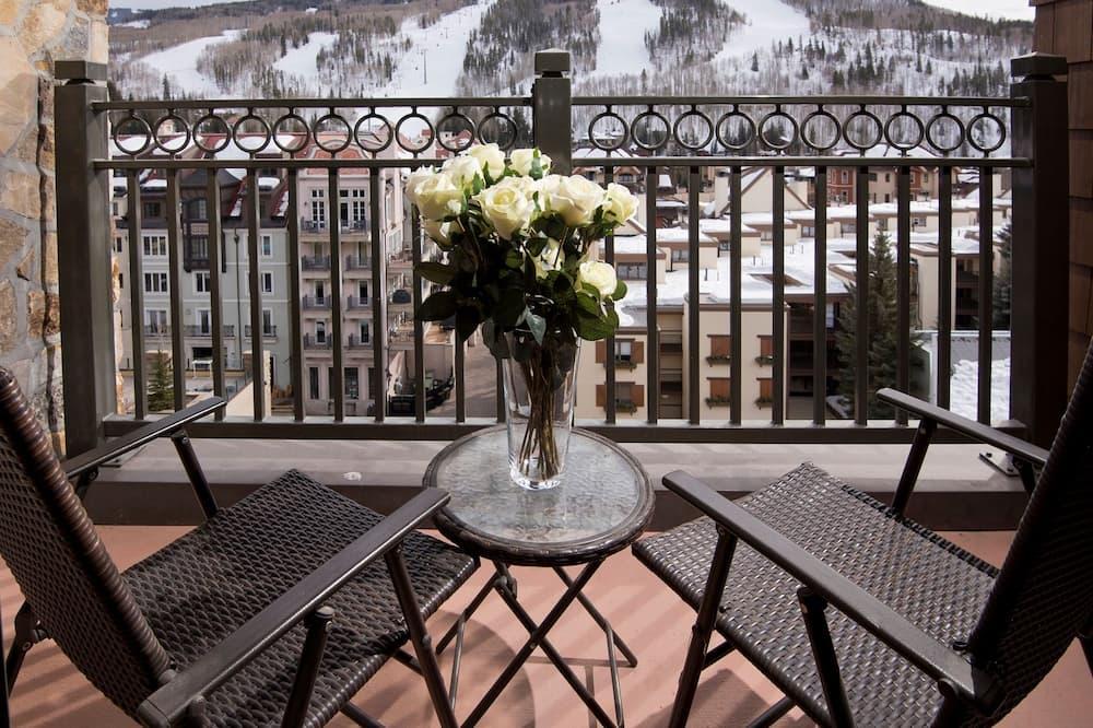 Kooperatīva tūristu mītne, četras guļamistabas - Balkons