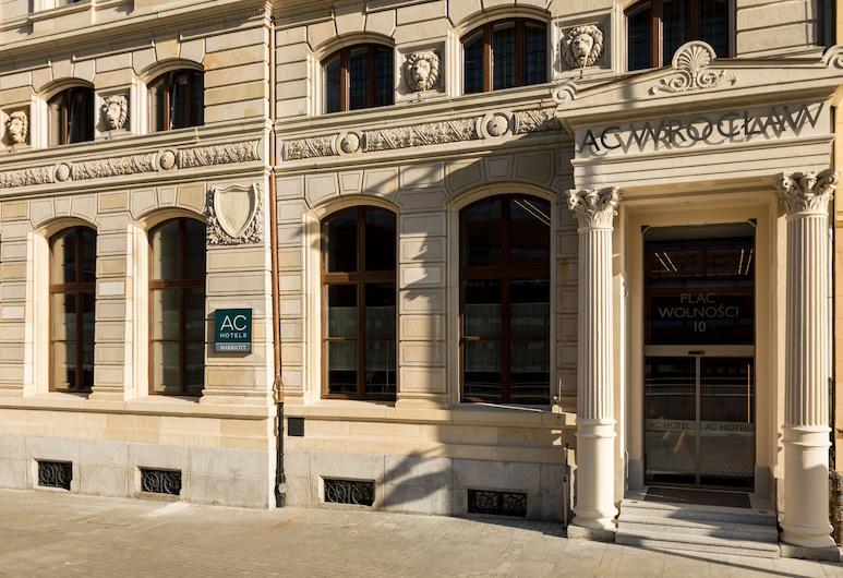 AC Hotel by Marriott Wroclaw, Wroclaw, Hótelinngangur