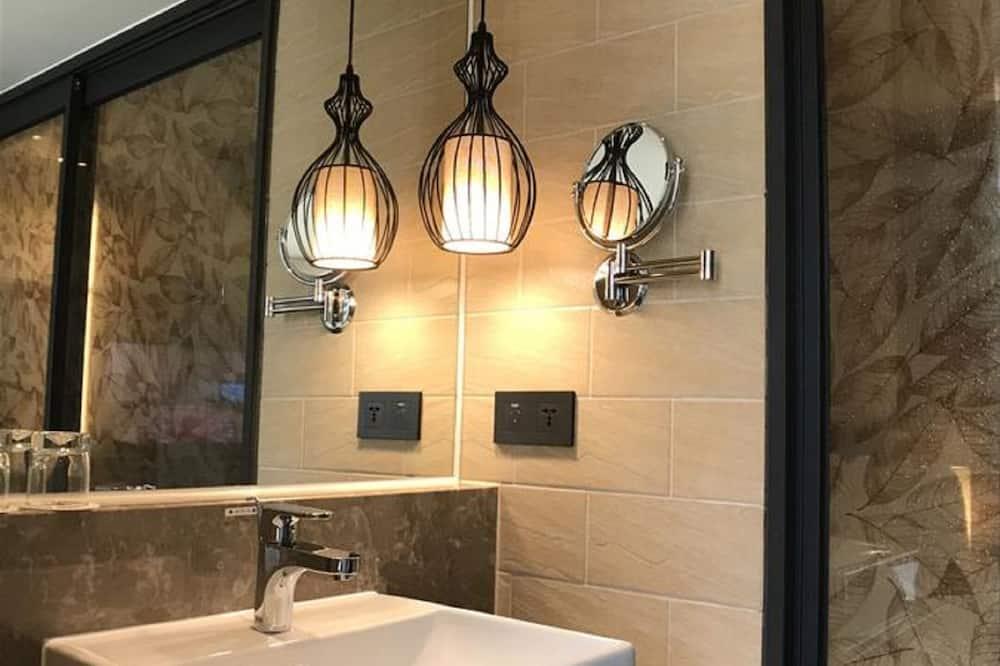 Tatami Double Room, No Window - Bathroom