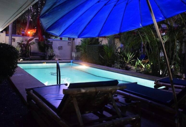 薩努克簡易別墅飯店, 拉威, 室外游泳池