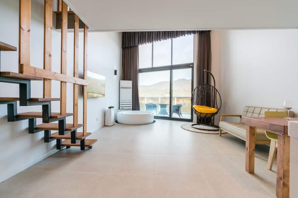 로열 듀플렉스 - 거실 공간
