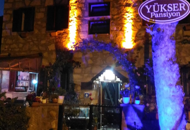 Yukser Pansiyon, Side, Hotel Front – Evening/Night