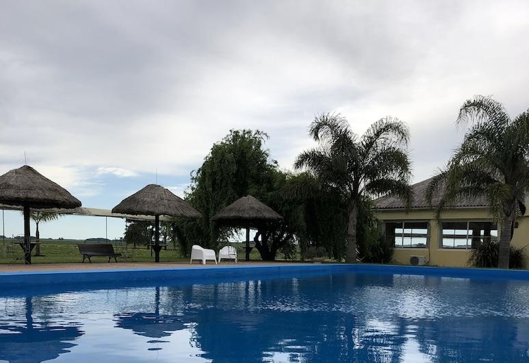 Complejo Turistico Flores Hotel de Campo, טרינידד, בריכה חיצונית