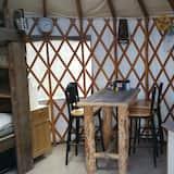 Silver Fox Yurt - Where the Mountains Meet the Moon