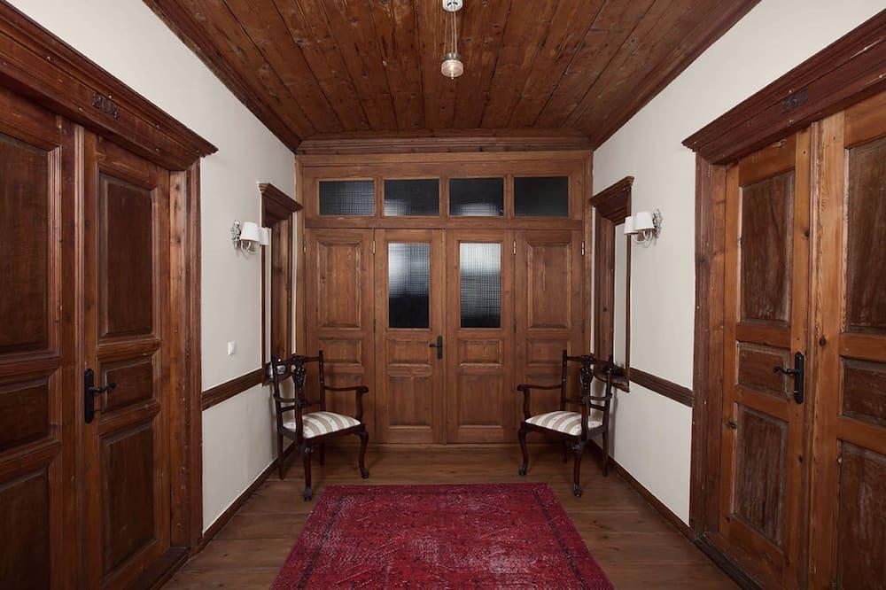 Deluxe Suite, 2 Bedrooms - Vardagsrum