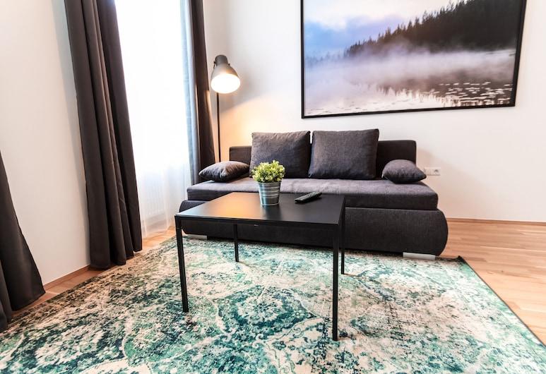 CheckVienna - Apartment Familienplatz, Vienna, Deluxe Apartment, 2 Bedrooms, Kitchen, Room