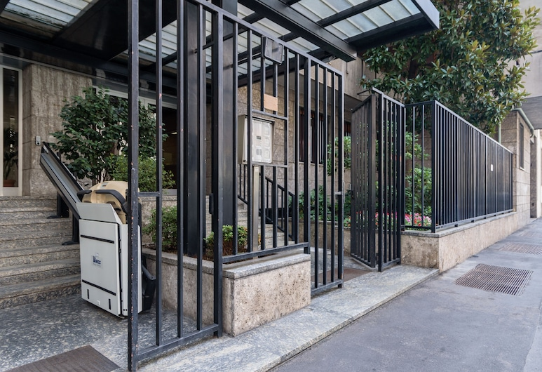 Home At Hotel - Dateo, Milan, Property entrance