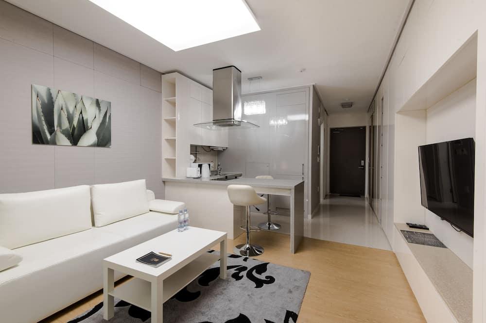 Apartment, 1 Double Bed (Studio) - Living Area