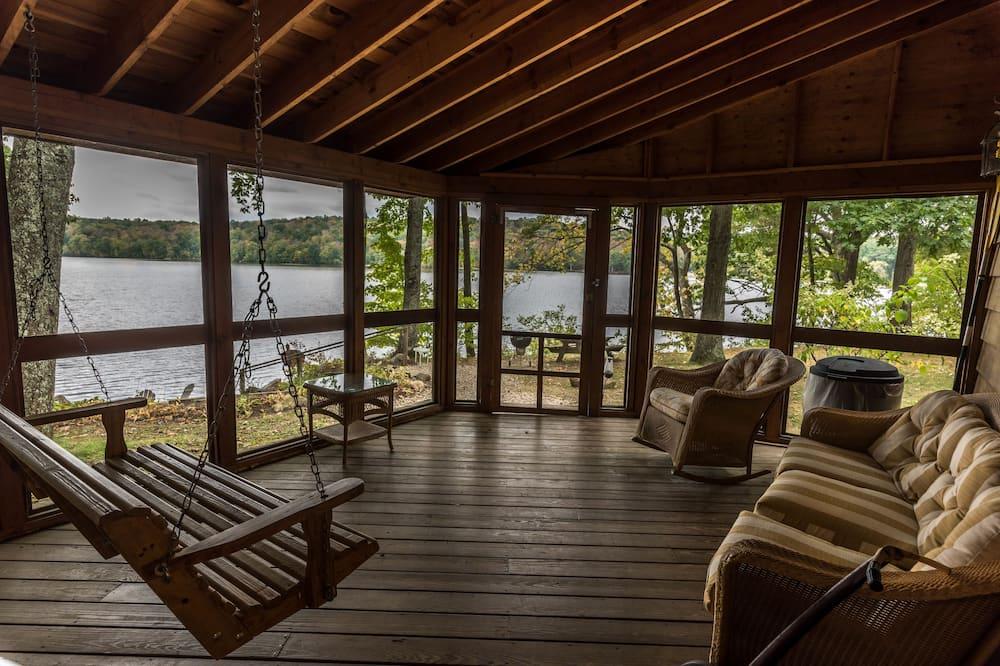 Casa de Campo, Junto ao Lago - Imagem em Destaque
