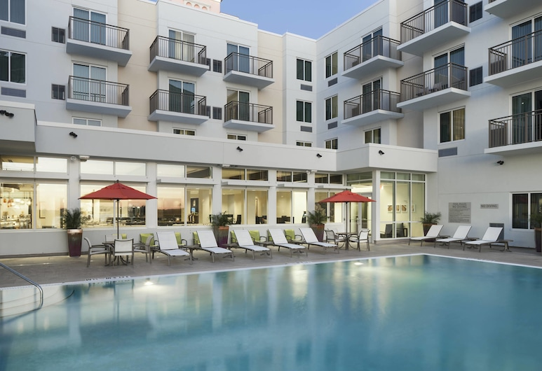 SpringHill Suites by Marriott Clearwater Beach, Clearwater Beach, Alberca al aire libre