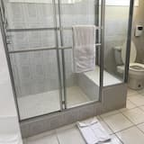 Luxury Suite, 1 King Bed - Bathroom