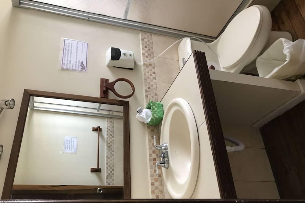 Standard Single Room, 1 Queen Bed, Private Bathroom - Bathroom