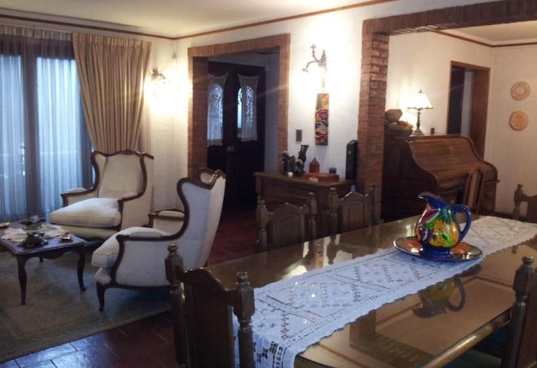 816 B&B, Mendoza, Living Room
