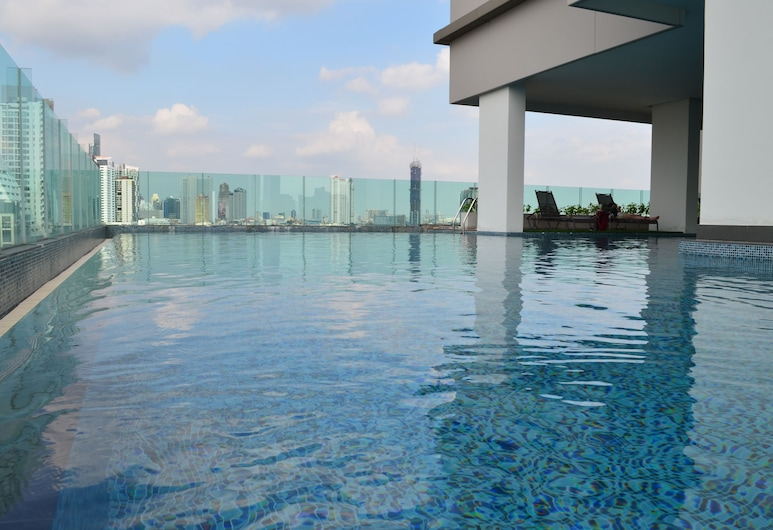 Wooden Suites (The Rich @Sathorn-Taksin), Bangkok, Outdoor Pool