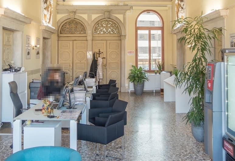 Venice Luxury Palace, Venedig, Rezeption