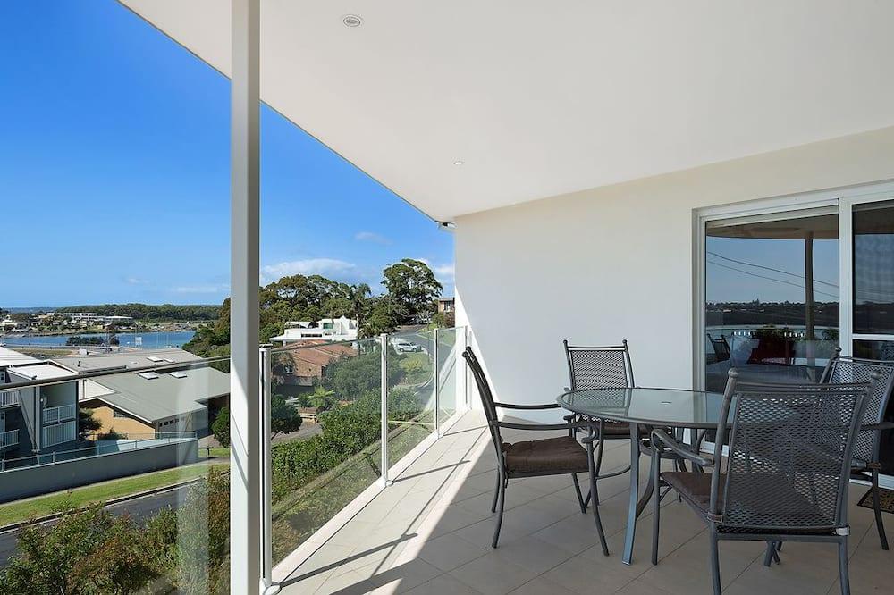 5 Bedroom House - Balcony