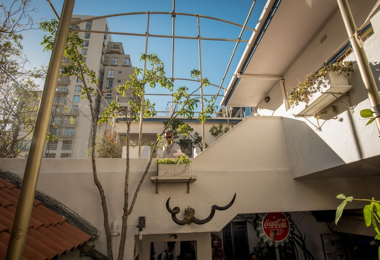 Long Street Backpackers, Cape Town, Courtyard
