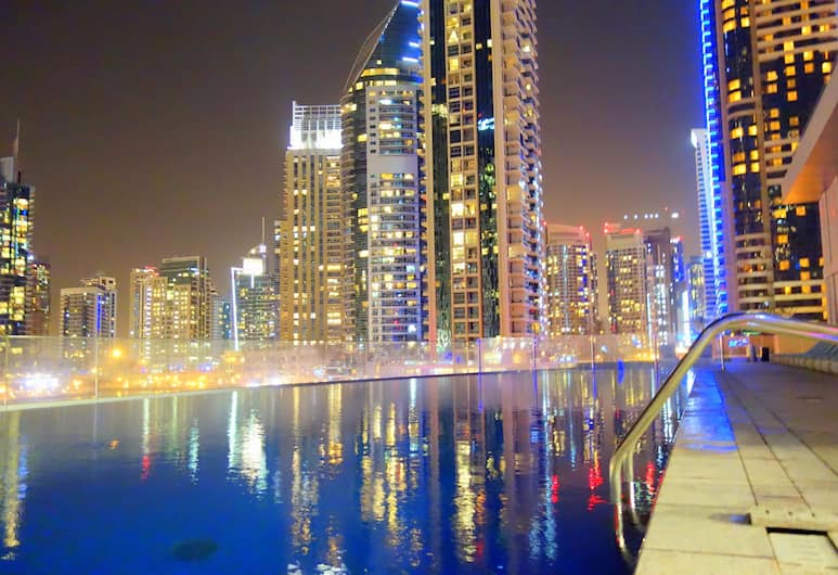Cayan Tower by Deluxe Holiday Homes, Dubajus