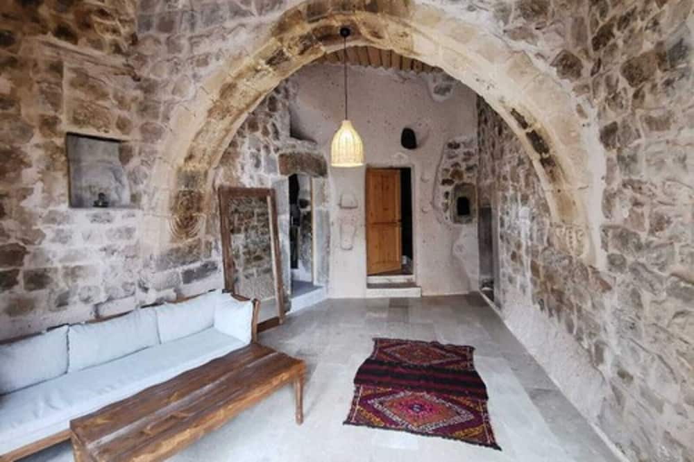 Exclusive Cave Suite - Living Area