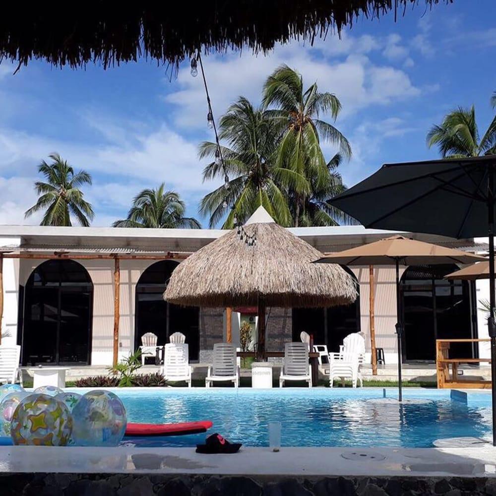 Show Pony Beach Resort Las Lajas