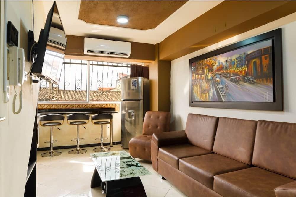 Romantic Apartment, 1 Bedroom, Hot Tub (1 Queen Bed) - Living Room