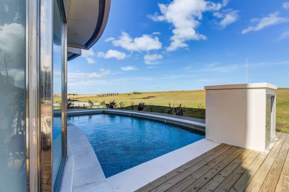 Moderno apartamento frente al mar y piscina - Azure Towers