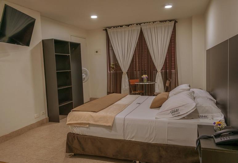 Hotel Saint John, Medellin, Deluxe-rum - 1 queensize-säng - bubbelpool - utsikt mot staden, Gästrum
