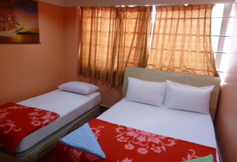 New Wave Hotel Nilai 1, Nilai, Quadruple Room, Guest Room