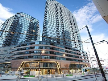 Picture of Melbourne Casino Docklands Luxury Seaview Apartment in Docklands