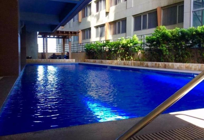 2 Bedroom Luxury Lofts, Cebu, Outdoor Pool