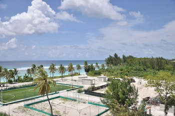 Enter your dates for special Hulhumalé last minute prices