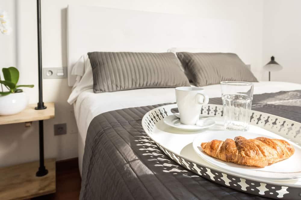 شقة - غرفتا نوم - الغرفة