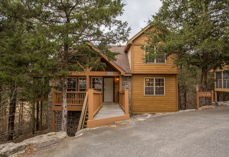 Mayberry Lodge 2 Bedroom Cabin, Branson West
