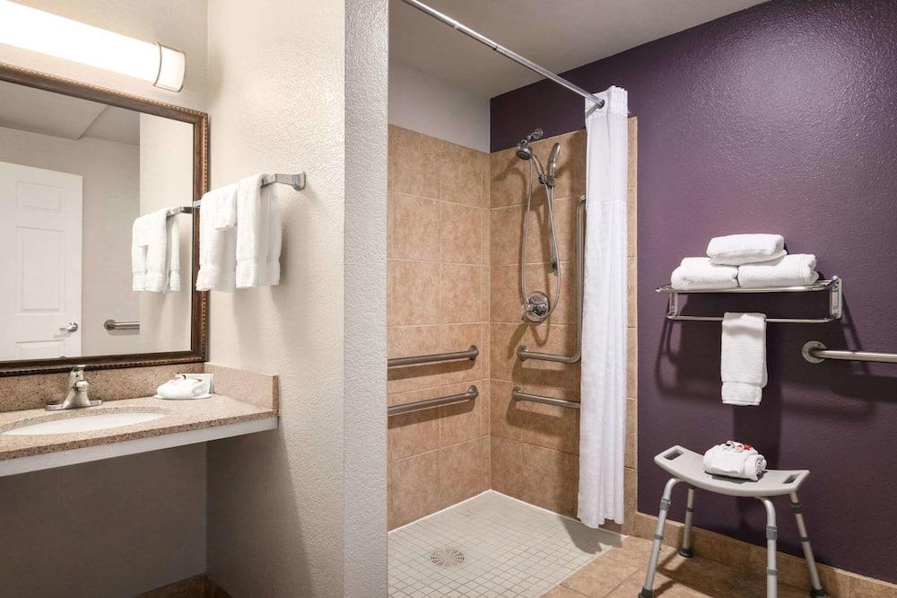 Tuba, 1 ülilai voodi, erivajadustele kohandatud, suitsetamine keelatud - Vannituba