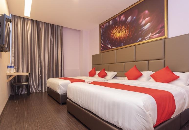 OYO 89423 Zenz Hotel, Kulai, Family Suite, Guest Room