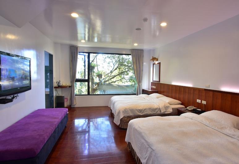 Long Yun Farm, Csucsi, Classic négyágyas szoba, 2 kétszemélyes ágy, kilátással a hegyre, hegy felőli, Vendégszoba kilátása