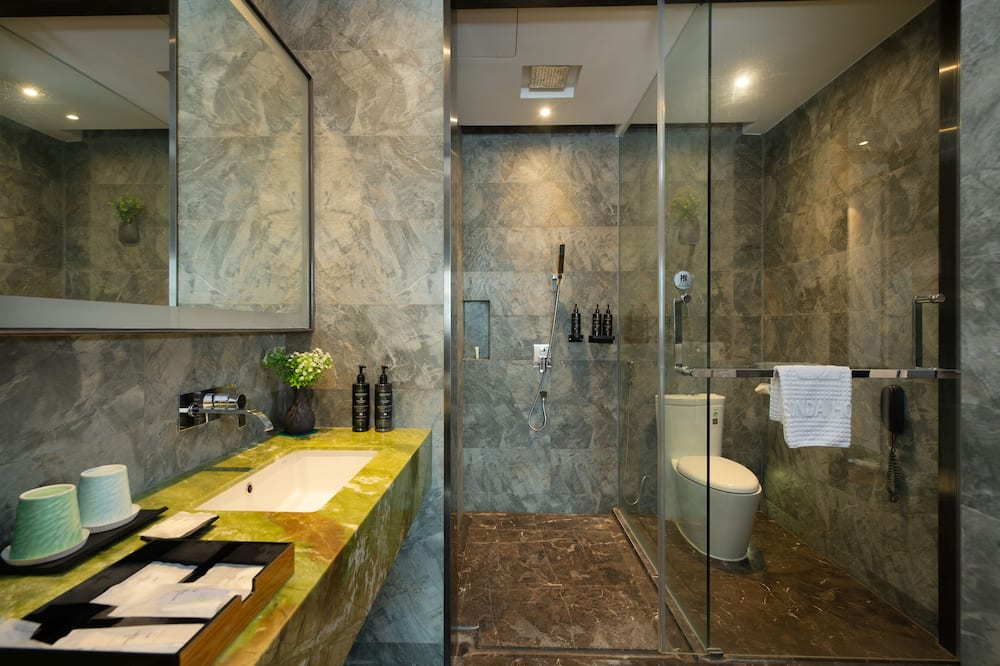 Dvivietis kambarys (2 viengulės lovos) verslo klientams - Vonios kambarys