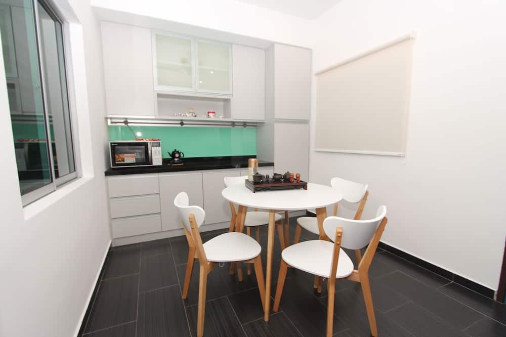 בית, 3 חדרי שינה (Guest) - אזור אוכל בחדר