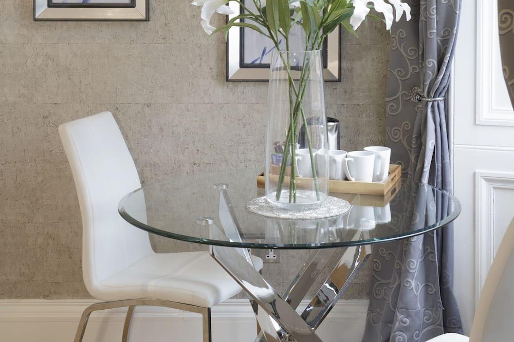 Apartmá typu Deluxe, dvojlůžko (200 cm) a rozkládací pohovka - Obývací prostor