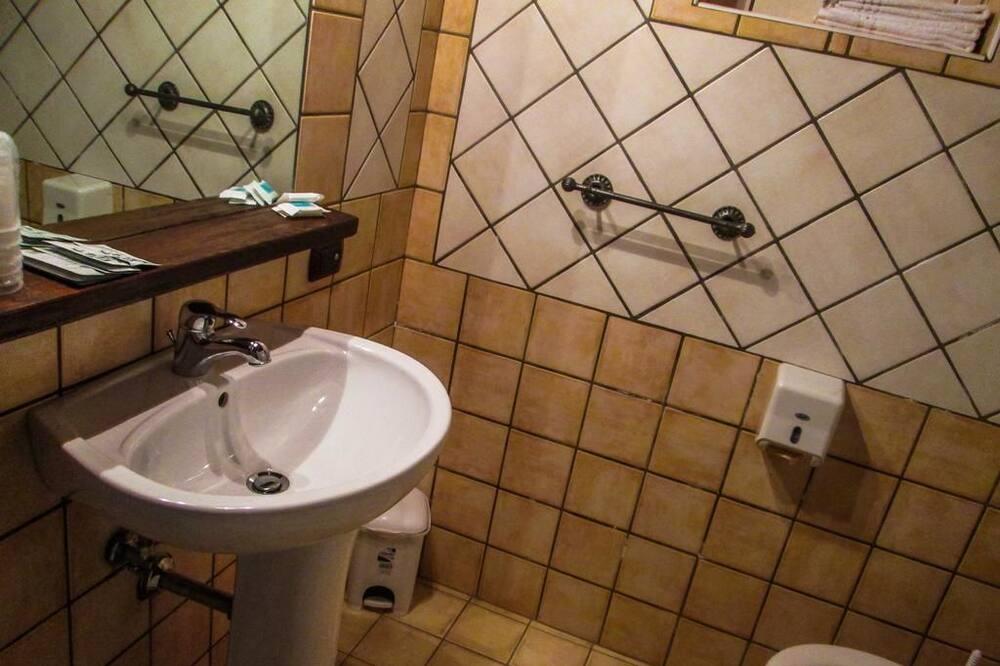 Phòng 3 phong cách cổ điển, Quang cảnh sân vườn, Khu vực sân vườn - Phòng tắm