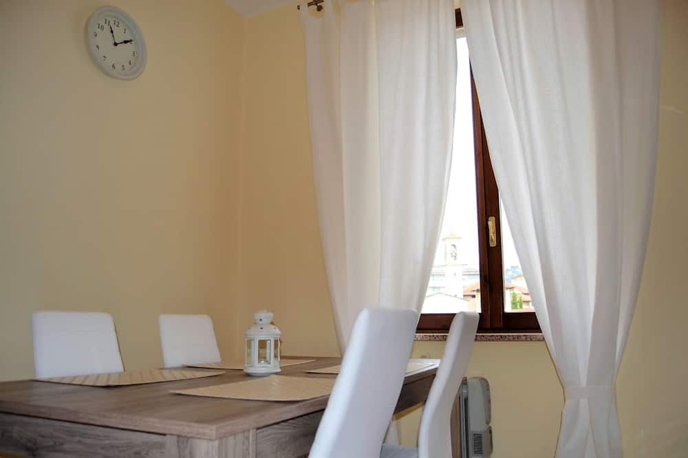 Romantic Apartment, 1 Bedroom - In-Room Dining