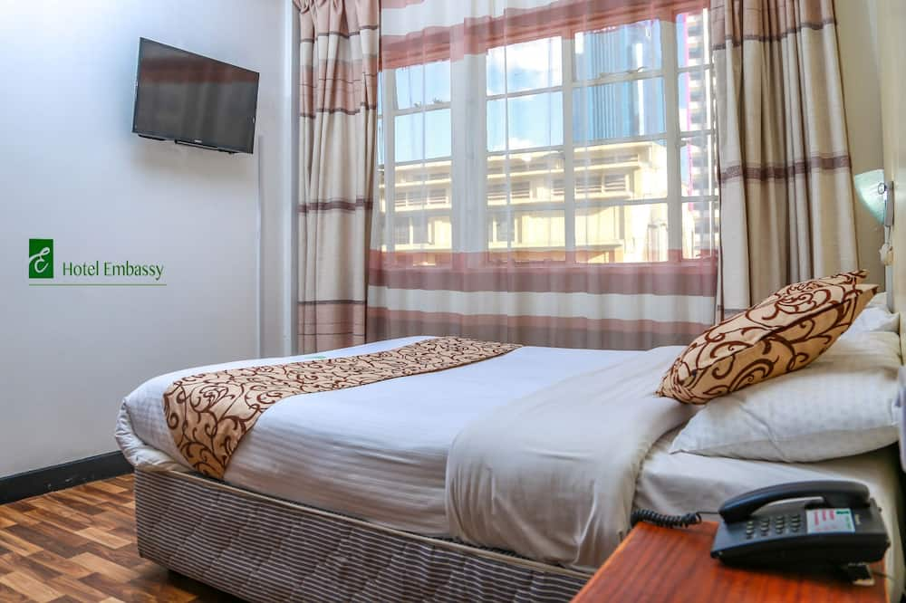 Standardní pokoj s dvojlůžkem, dvojlůžko (180 cm), výhled na město - Výhled na město